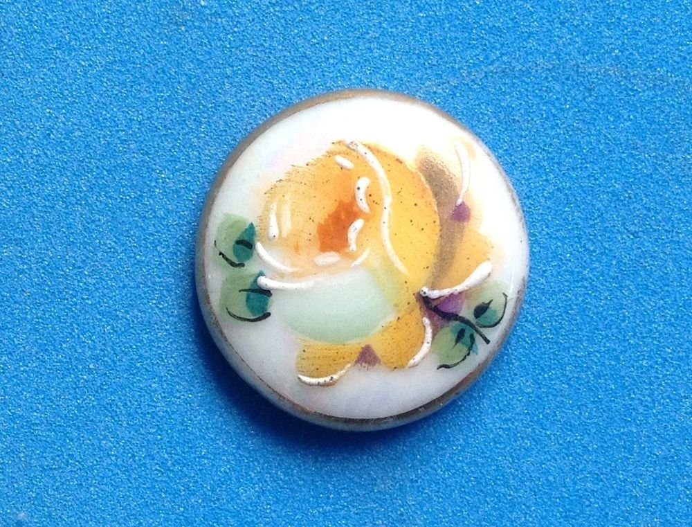 """VINTAGE ANTIQUE PORCELAIN HAND PAINTED YELLOW ROSE 3/4"""" CAMEO IN NEED OF SETTING"""