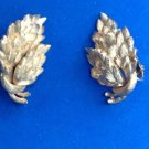 "VINTAGE GOLD TONE SATIN FINISH ""LISNER"" LEAF CLUSTER CLIP ON EARRINGS 1 1/4"" X 7/8"