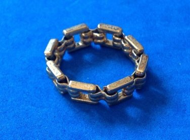 "Band ring, uni sex,  links in gold tone size 9.25 x 1/4"" - different piece !!"