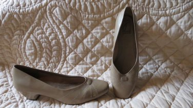 NEW Joyce Light Brown Women's Shoes Size 10 M