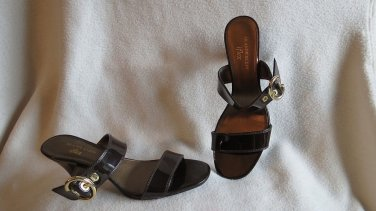 Gorgeous Brown Patent LEather Anne Klein Sandals Strappy Shoes Size 8