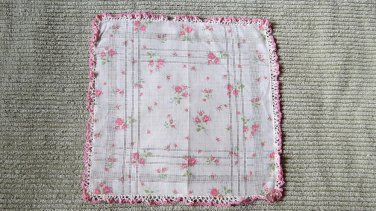 006 Beautiful Vintage Floral with Beautiful Crocheted Edges  Handerchief Hankie