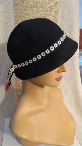 Stunning Black Vintage Betmar John Frederics Chelton Marshall Fields Hat