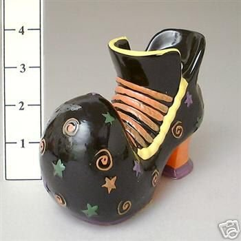 SET OF 2 Ceramic Witches Halloween Shoes BRAND NEW
