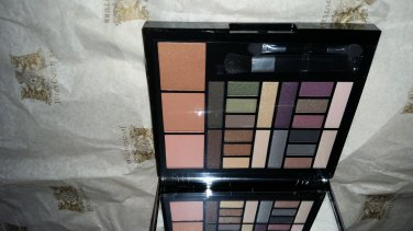 Macys Impulse Color Eye Shadow & Blush Palette
