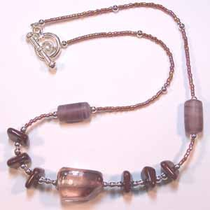 Dark Rose Glass Bead Necklace Handmade (JE115E)