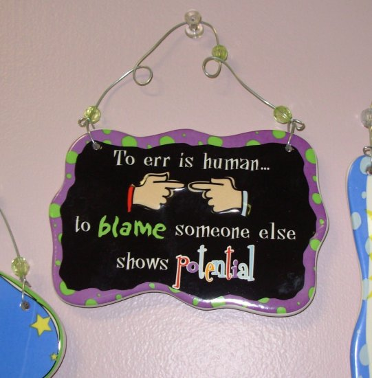 CERAMIC WALL PLAQUE TO ERR IS HUMAN NEW HOME OFFICE DECOR NEW GANZ