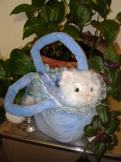 KITTY CAT PLUSH IN PURSE LOVE TO GO VICTORIA WHITE KITTY CAT MEOWS STUFFED PLUSH ANIMAL NEW GANZ