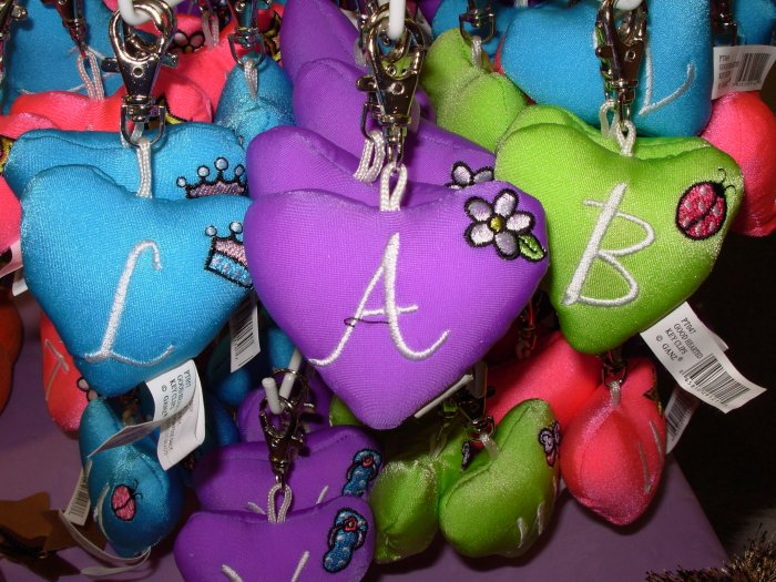 PUFFY HEART ZIP CLIP KEY CLIP WITH THE LETTER A PURPLE NEW GANZ
