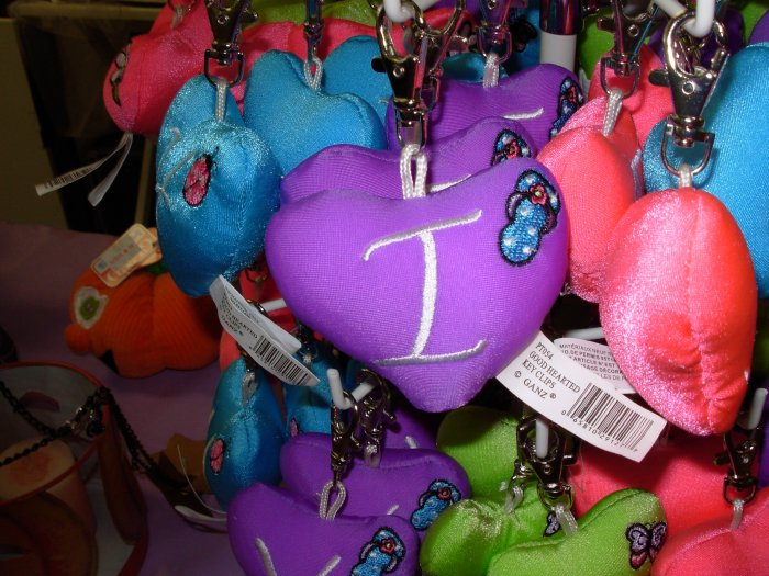 PUFFY HEART ZIP CLIP KEY CLIP WITH THE LETTER I PURPLE NEW GANZ