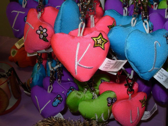 PUFFY HEART ZIP CLIP KEY CLIP WITH THE LETTER K HOT PINK NEW GANZ
