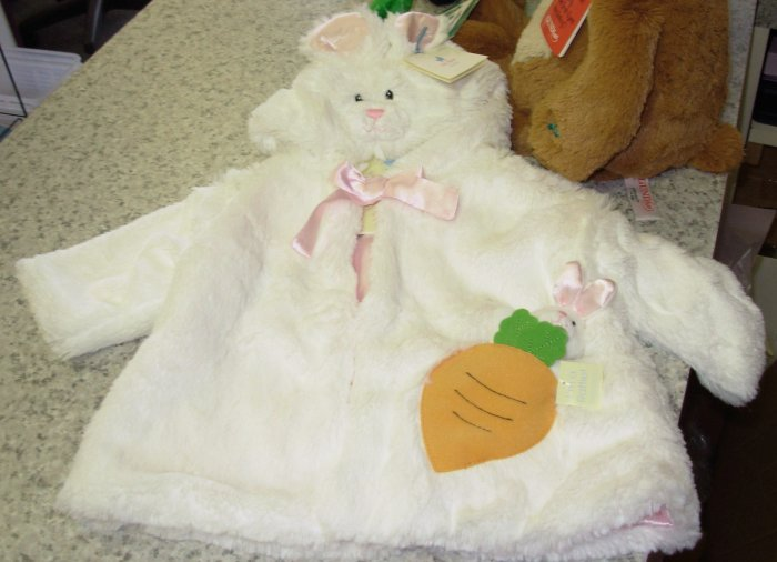 BABY EASTER OR HALLOWEEN COSTUME WHITE BUNNY RABBIT WITH RATTLE NEW GUND BUNSY 3-12 MO.