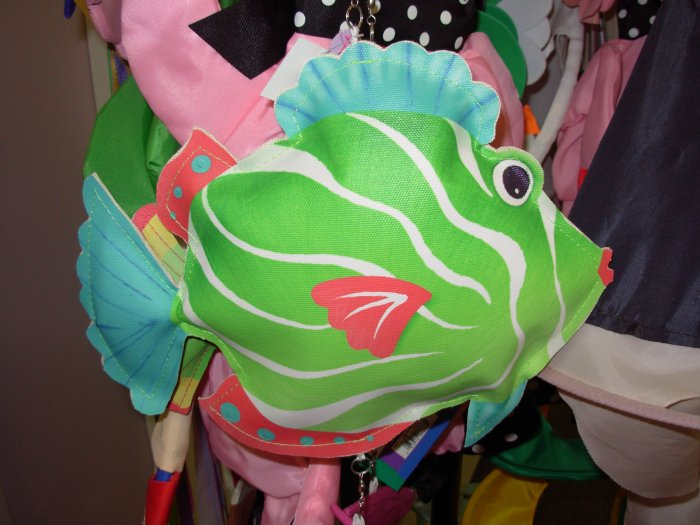 WINDSOCK FISH TWIRLER NEW GANZ COLORFUL NYLON HOME GARDEN PATIO OR YARD DECOR
