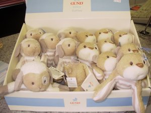 BABY BEGINNINGS RATTLE PLUSH LAMB NEW FROM BABY GUND WITH SPECIAL GIFT TAG WONDERFUL TEXTURES
