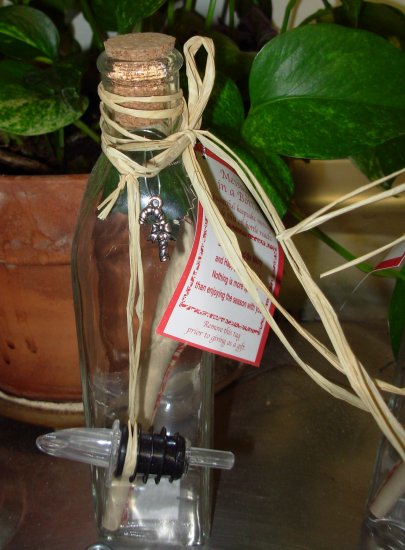 EAT DRINK AND BE MERRY MESSAGE IN A BOTTLE CRUET WITH CHRISTMAS MESSAGE GREAT GIFT NEW GANZ