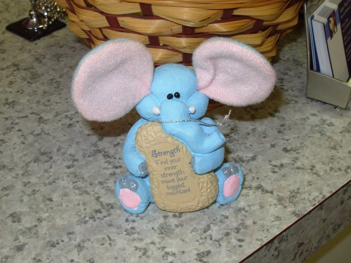 COMFY CRITTERS PINK AND BLUE ELEPHANT FIGURINE GUND RETIRED SAYS STRENGTH ..  NWT