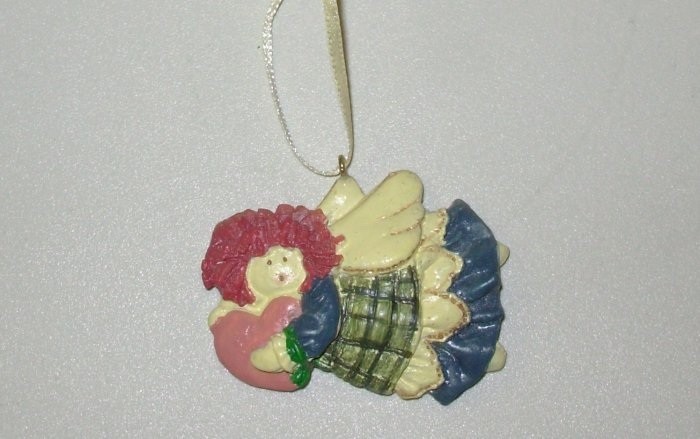 FLYING MINI RESIN ANGEL CHRISTMAS ORNAMENT NEW GANZ HOLIDAY TREE HOME DECOR