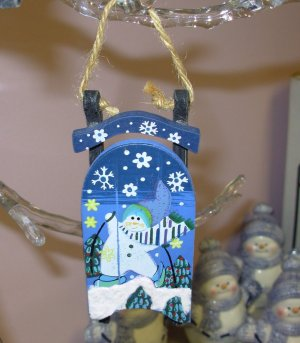 HAND PAINTED CHRISTMAS ORNAMENT SLED WITH SNOWMAN HOLIDAY DECOR NEW GANZ