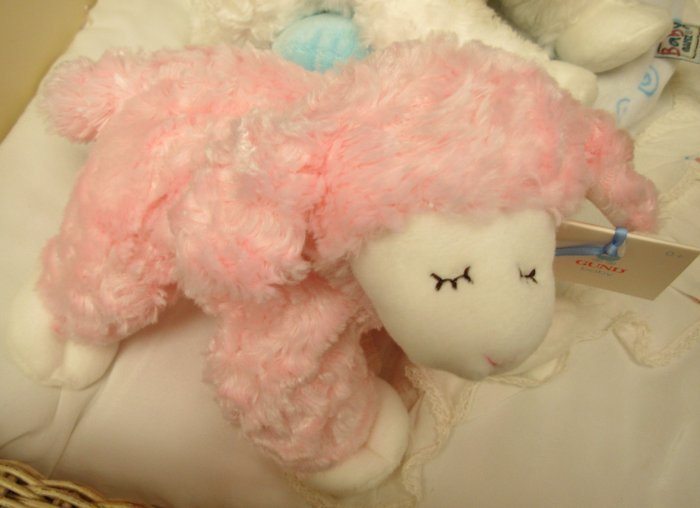 WINKY PINK LAMB RATTLE NEW BABY GUND MACHINE WASHABLE NEW WITH TAGS