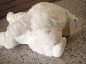 GUND WAGGIE WHITE LAMB MUSICAL PLUSH NEW BABY GUND SURFACE WASHABLE NEW WITH TAGS