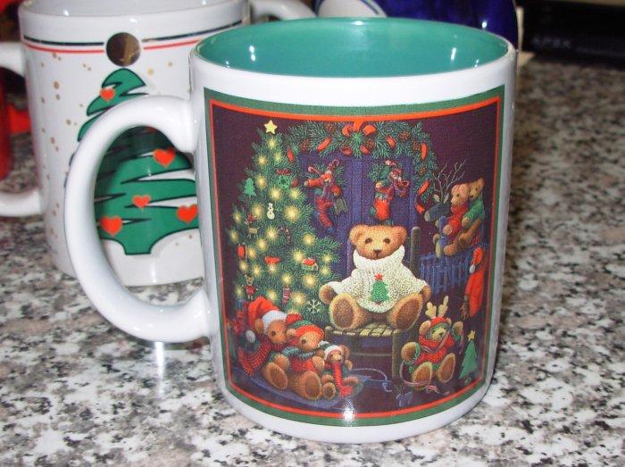 COFFEE MUG TEDDYBEAR CHRISTMAS HOLIDAY KITCHEN COLLECTIBLE