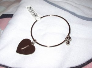 BRACELET HEART CHARM INITIAL I NEW SILVER COLORED METAL SPRING BALL CLOSURE CHILD OR YOUNG LADIES