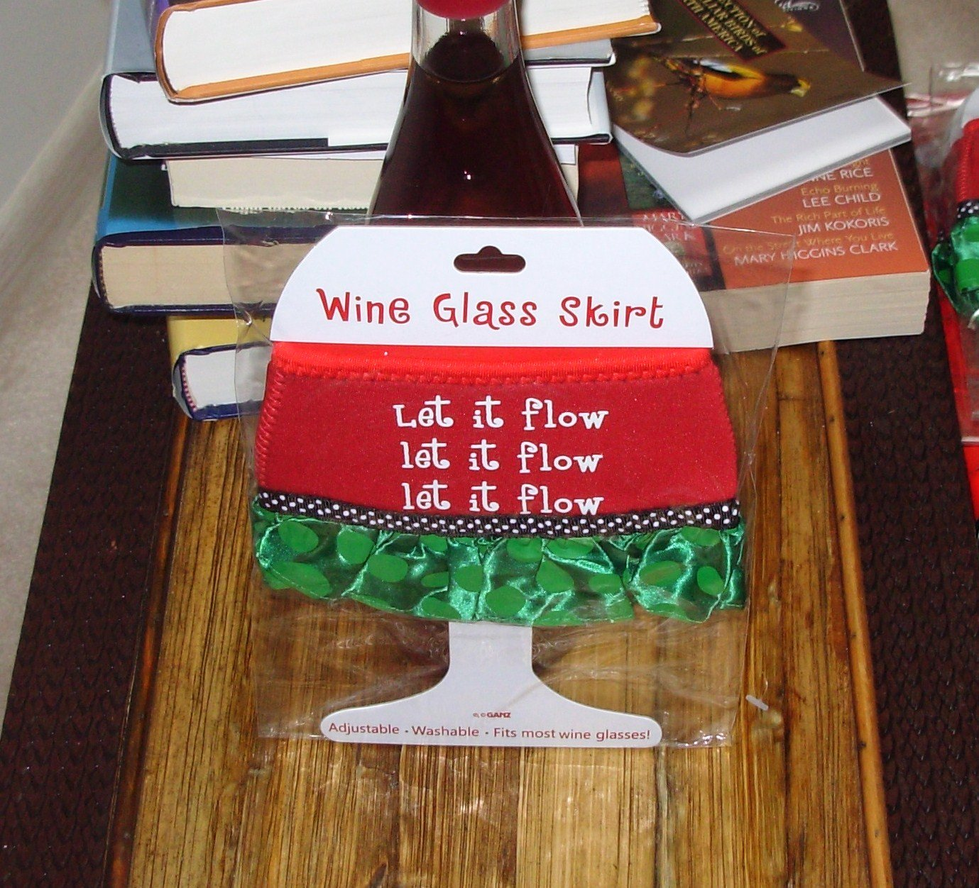LET IT FLOW HOLIDAY WINE GLASS SKIRT CHRISTMAS HOLIDAY  ADJUSTABLE WASHABLE NEW GANZ
