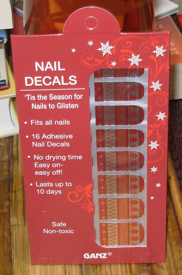 NAIL DECALS CHRISTMAS SWEATER DESIGN HOLIDAY OCCASION NEW GANZ EASY FITS ALL