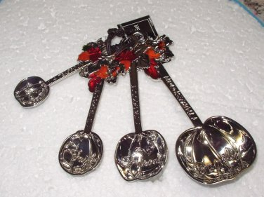 HOLIDAY MEASURING SPOONS SET PUMPKINS AUTUMN LEAVES THANKSGIVING HEAVY ZINC NEW GANZ