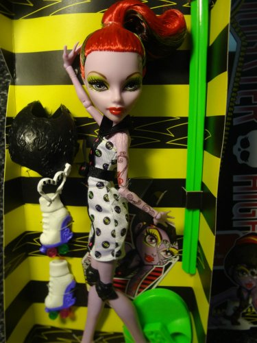 Monster High Doll Operetta Skultimate Roller Maze Mint Complete New Box