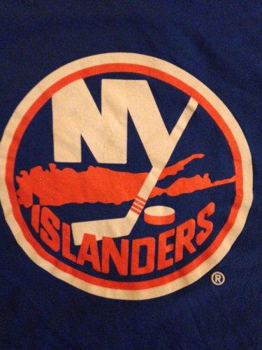 New York Islanders t shirt