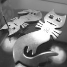 MODERNIST MEXICO TALL FLIRTY CAT POST EARRINGS : LONG LASHES :  SIGNED TF-45 ?