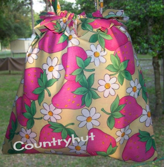 Strawberries & Daisies - Gift Bag - Draw string handbag - multi purpose handbag, cosmetic bag