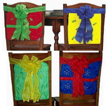 NEW CHRISTMAS PRESENT CHAIR COVER SET Kitchen Holiday Dining Tied Gifts Decor 4 X-Mas Pieces