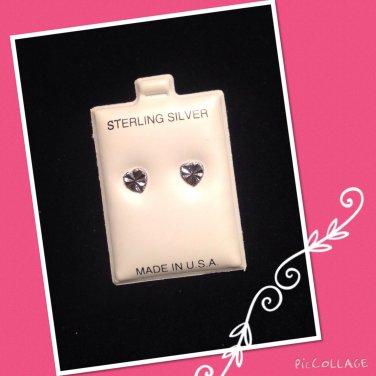 """""""Shining Heart"""" Silver stud earring"""