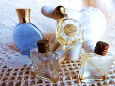 VINTAGE MINIATURE PERFUME BOTTLE JE REVIENS WORTH PERFUME