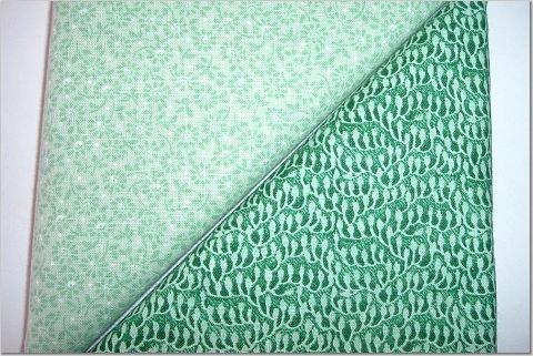 Foam Green Floral n Green Print - Two FAT Quarters (2742)
