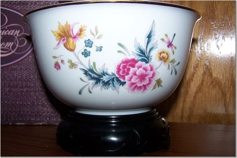 American Heirloom Porcelain Bowl w/Display Stand - AVON