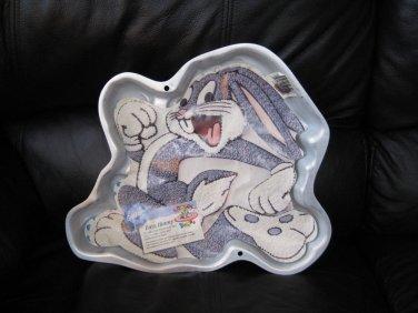 Wilton cake pan Buggs Bunny used w insert 1996 Warner Bros. 2105-3200