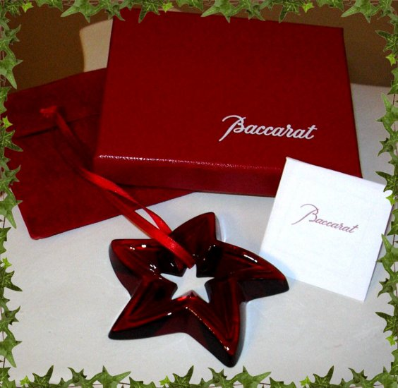 BACCARAT RED STAR ORNAMENT *
