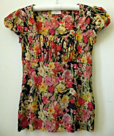 Ann Taylor LOFT Size S ?? Puffed Short Sleeve Square Neckline Floral Design Top