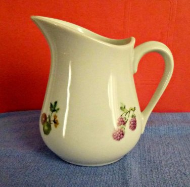 BIA Cordon Blue Creamer Hand-Decorated in USA White Berry Design 4.5'' Tall