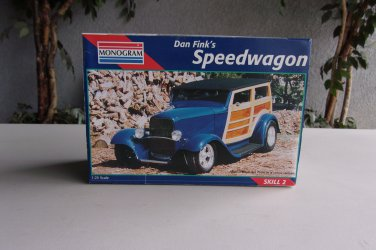 Dan Fink�s Speedwagon Model Woody Wagon Monogram 1/25 Vintage