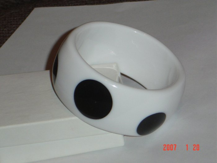 Lucite Wide Polka Dot Bangle Bracelet White Black