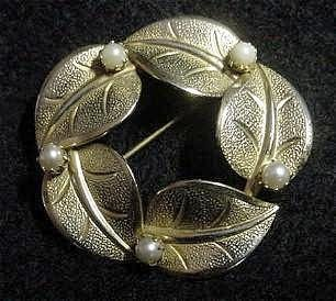 Vintage 14kt GF Pin w/Faux Pearls