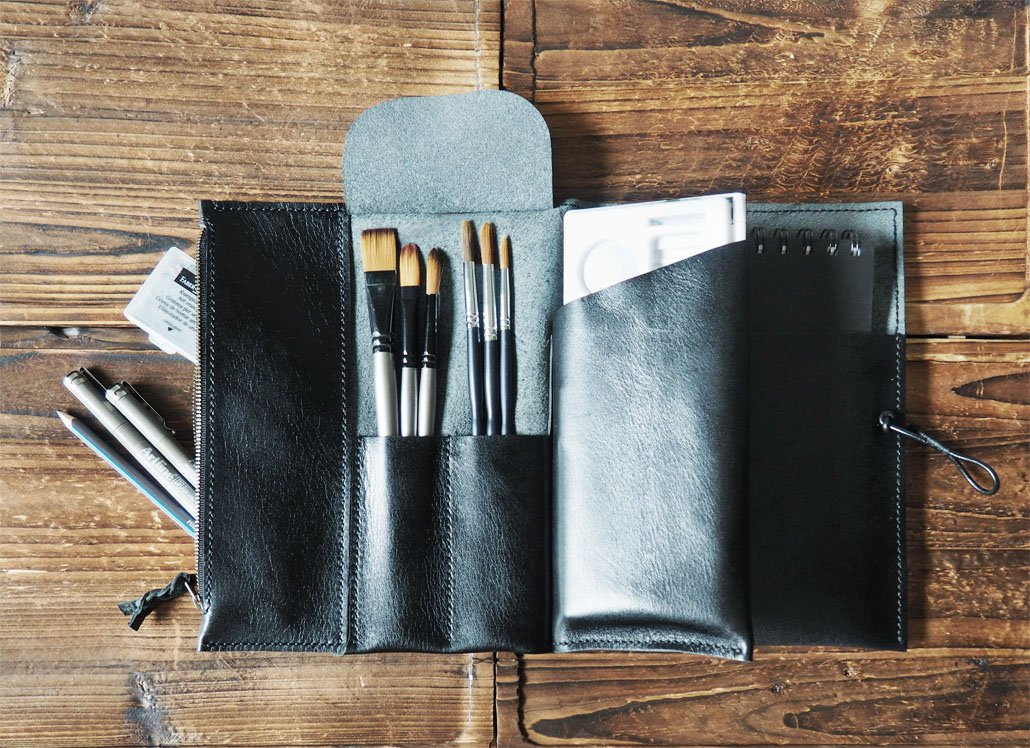 Handmade Leather Sketchbook case Art supplies case Pencil case Leather journal Drawing Case Black