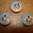 Set of 3 Christmas buttons with snowman, Christmas gift and tree.