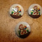 Lot of 3 Christmas buttons with snowman.