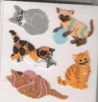 Fuzzy Cats with Yarn