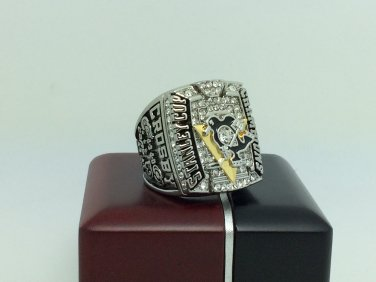 2009 Pittsburgh Penguins Stanley Cup Championship ring  11 Size With wooden box